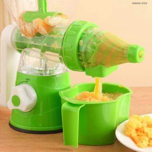 Fruit, vegetable juicing machine